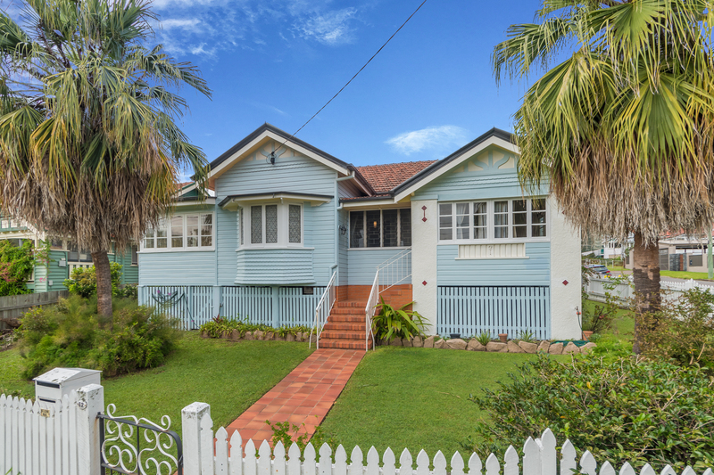 Beautiful Family Home in Quiet Ashgrove Avenues!
