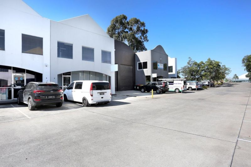 Modern Unit Offering Good Presentation Close to Beaudesert Road