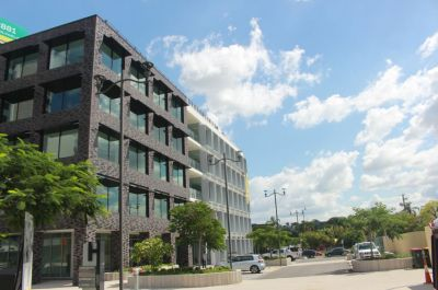 HIGH GRADE OFFICE NEXT TO PORTSIDE!