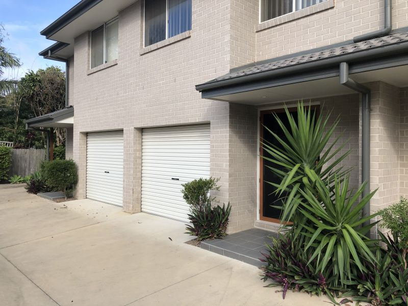 Cardow & Partners Property Coffs Harbour exclusively offers this 4 bedroom townhouse available for rent.