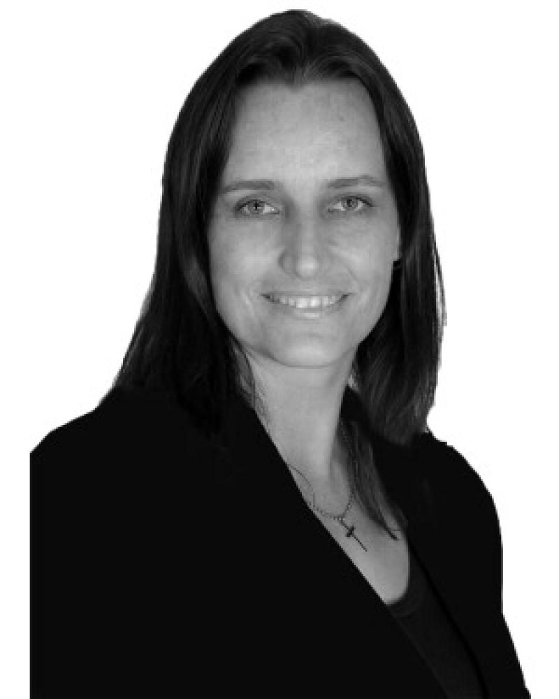 Douwlene Burdett Real Estate Agent
