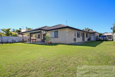 2 Separate Living + Great Side Access!