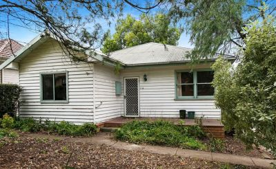 Lovely 3 bedroom property is awaiting its new tenant