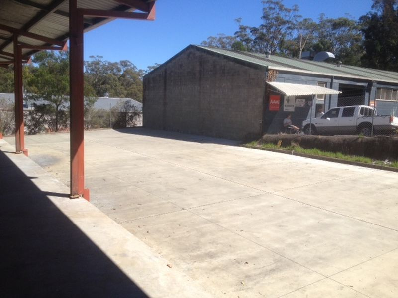 FREESTANDING INDUSTRIAL PROPERTY WITH CONCRETE YARD