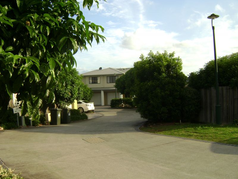 For Rent By Owner:: Mansfield, QLD 4122
