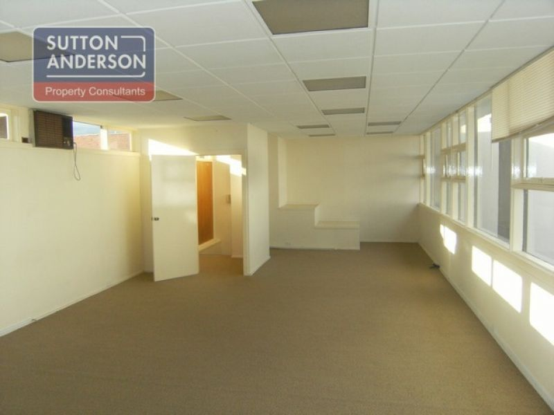 FREESTANDING OFFICE/WAREHOUSE FOR SALE/LEASE