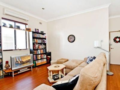 One Bedroom Apartment with Internal Laundry