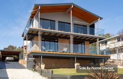 3 Bedroom  Beach Home with Beautiful Seaside Views