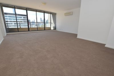 Plaza: Exquisite and Centrally Located Three Bedroom Apartment!