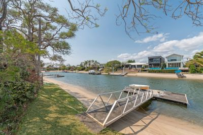 Waterfront Gem in a Fantastic Location