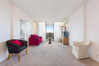 Ultra-Convenient Apartment In Desirable Locale