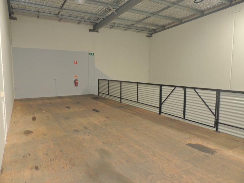 293m2* Warehouse / Office