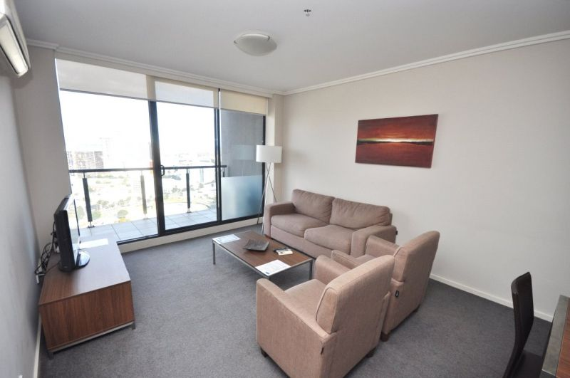 The Sentinel: 29th Floor - Modern and Spacious!
