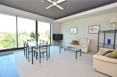 Furnished Two Bedroom Apartment With Unrivalled Views!