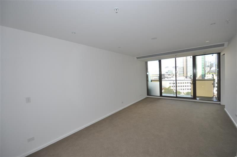 Epic: 9th Floor - Spacious Near New Apartment!