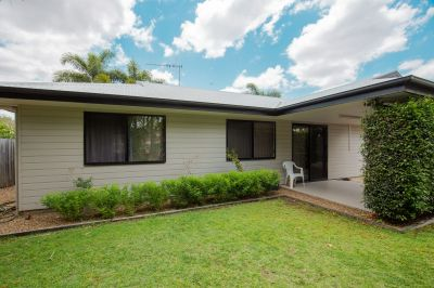 BE QUICK WITH THIS MODERN 3 BEDROOM HOME CLOSE TO TOWN!!
