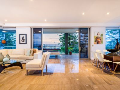 PREMIUM APARTMENT ON BURLEIGH BEACHFRONT - IVORY A RESIDENTIAL LIFESTYLE