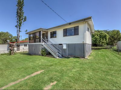 RENOVATED LITTLE GEM ONLY MINUTES FROM IPSWICH CBD