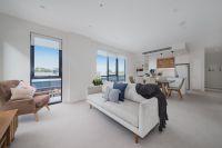DEPOSIT TAKEN - Stylish light-filled first floor apartment