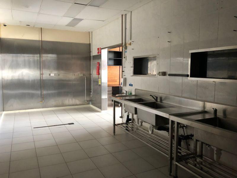 HIGH EXPOSURE FOOD PREMISES with WALK IN COOLROOM