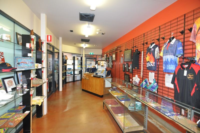 Fully equipped commercial kitchen and waterfront retail space