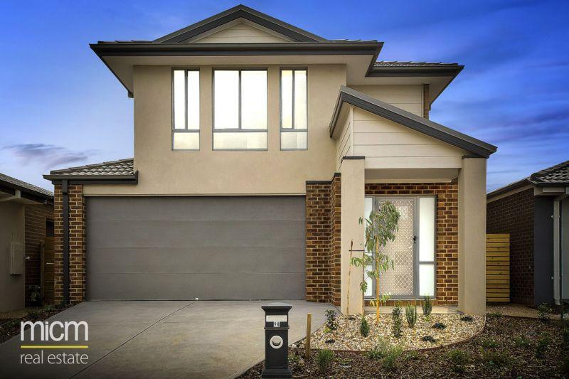 Enjoy the Estate Lifestyle & Dual Level Brilliance
