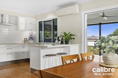 Sold prior to Auction - An easy walk down to the Laneway Restaurant Precinct.  Huge Entertaining Deck with Sun-Soaked Pool.