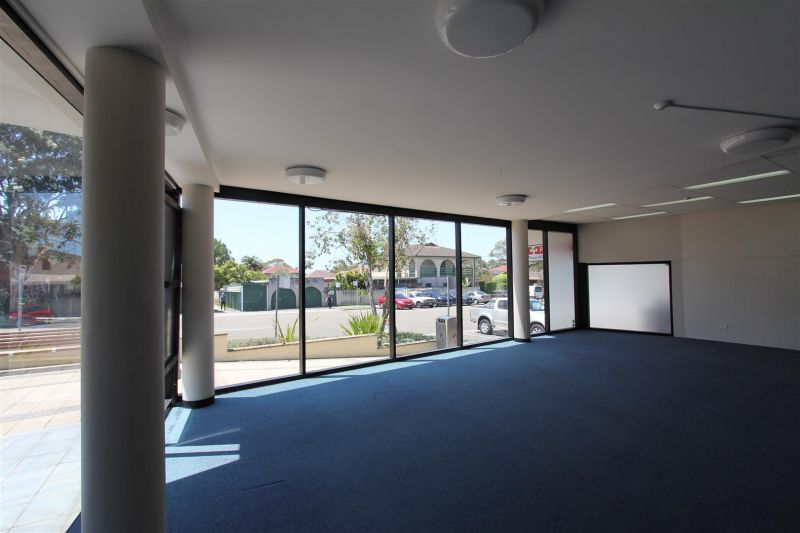 118m² Retail/Showroom - Prominent Corner Location