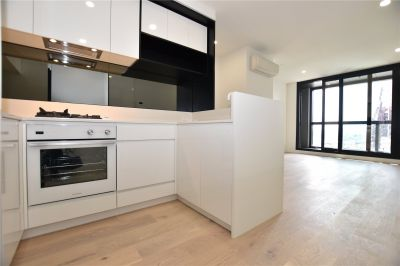 Brand New Two Bedroom Apartment in the Heart of Melbourne!