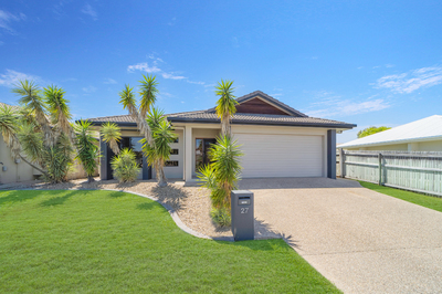 IMMACULATELY PRESENTED SPACIOUS FOUR BEDROOM HOME- MOVE IN READY!!