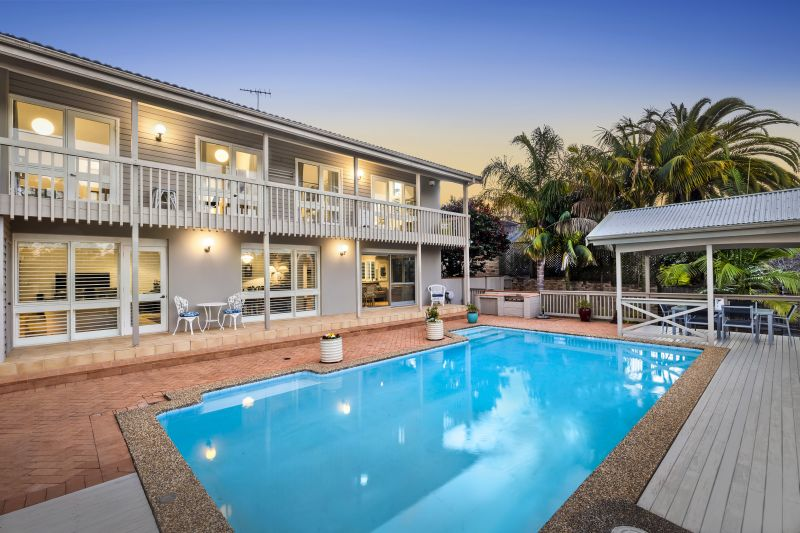 14 Cambourne Avenue St Ives 2075