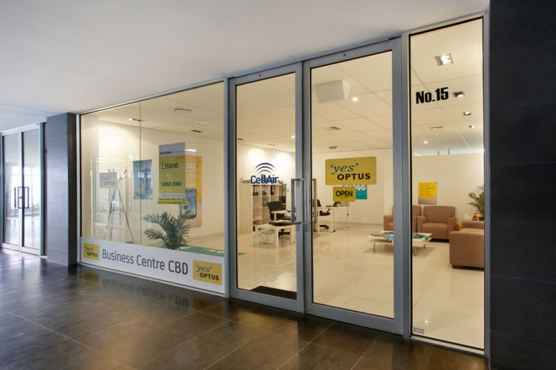 GROUND FLOOR OFFICE / SHOWROOM IN GREAT CITY FRINGE LOCATION