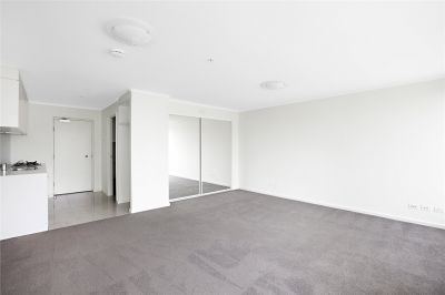 Cityside: 8th Floor - Stunning and Spacious Studio!