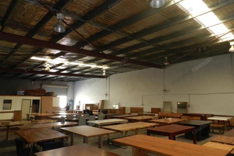 423sqm* Modern Office/Warehouse
