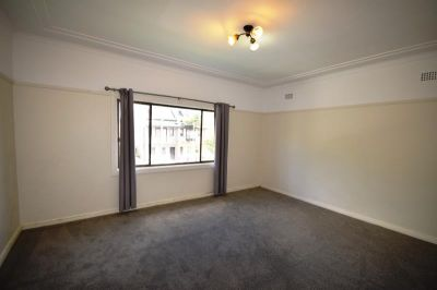 Large 2 Bedroom Flat - Quiet Location