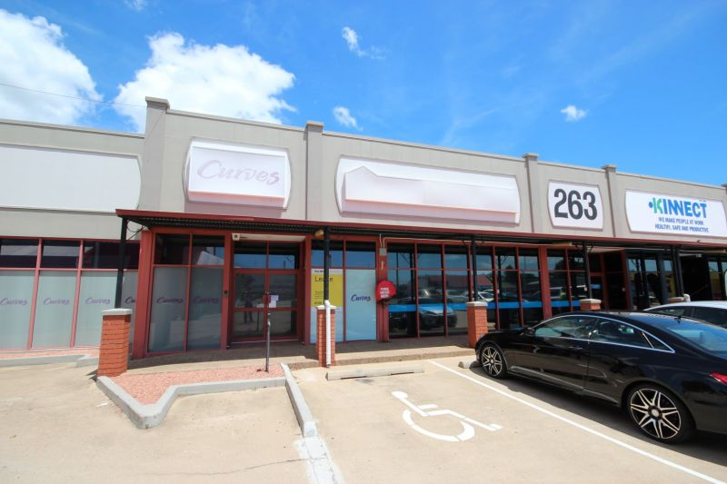 Open Plan Retail/Office Space with Great Signage