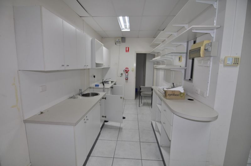 Former Pharmacy tenancy within busy medical centre