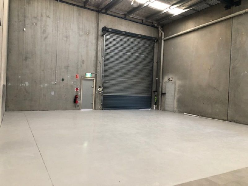 Modern Industrial Unit with Showroom