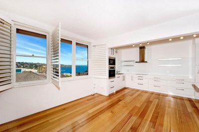 ULTRA MODERN 2 BEDROOM APARTMENT WITH OCEAN VIEWS