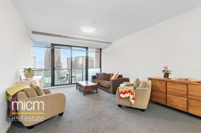 Enticing and Spacious Southbank ONE Style