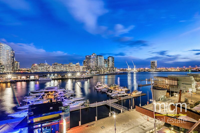 Harbour Views and Spectacular Space