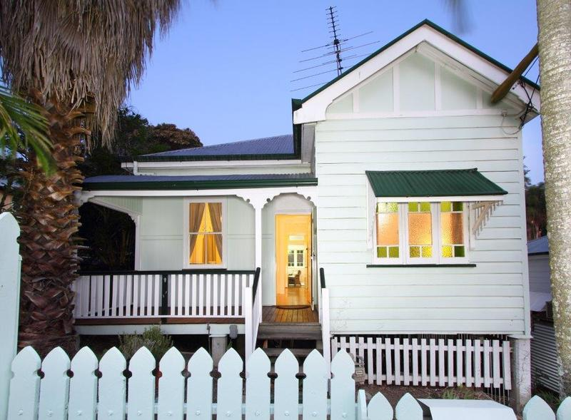 Beautiful Cottage with Air-Con & Available NOW