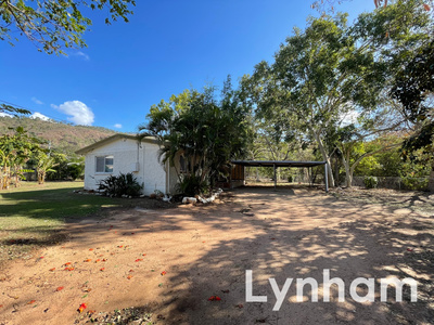 Large Yard Great For The Whole Family!