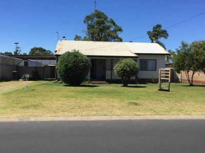 Great Starter Home with Development Potential!!