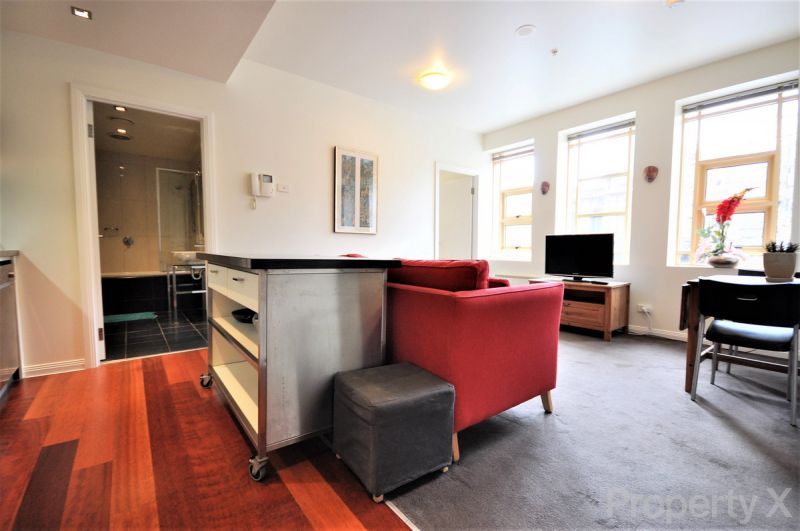 Fully Furnished 2 Bedroom Apartment!