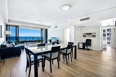 Premium Newly Renovated Apartment With Direct Ocean Views