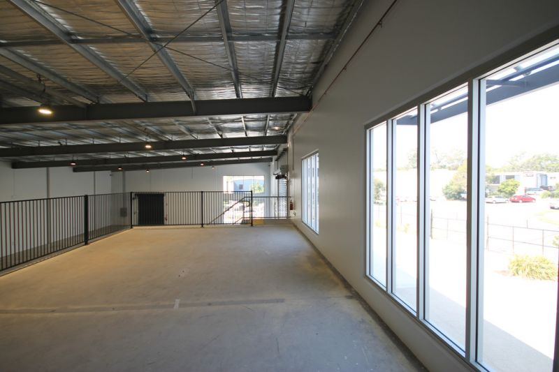 BRAND NEW, HIGH PROFILE WAREHOUSE FACILITY