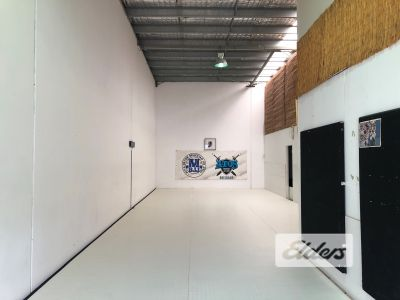 GROUND FLOOR OFFICE WAREHOUSE   PRICED TO LEASE!