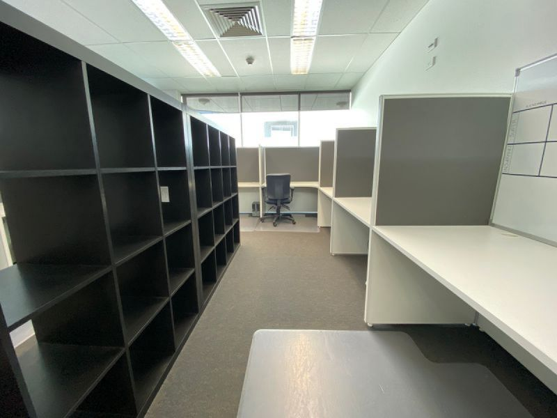 PROFESSIONAL OFFICE SPACE - SHARED