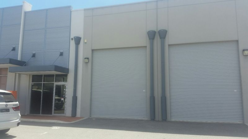 257 SQM HIGH TRUSS WAREHOUSE - Rent incentive or contribution to fit-out for long term lease
